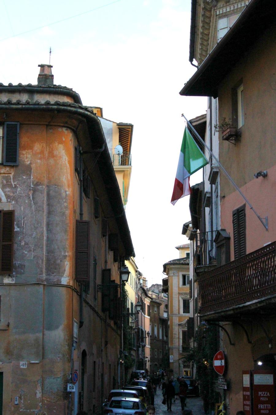 trastevere old street