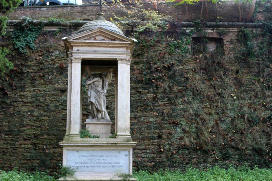 trastevere sculpture